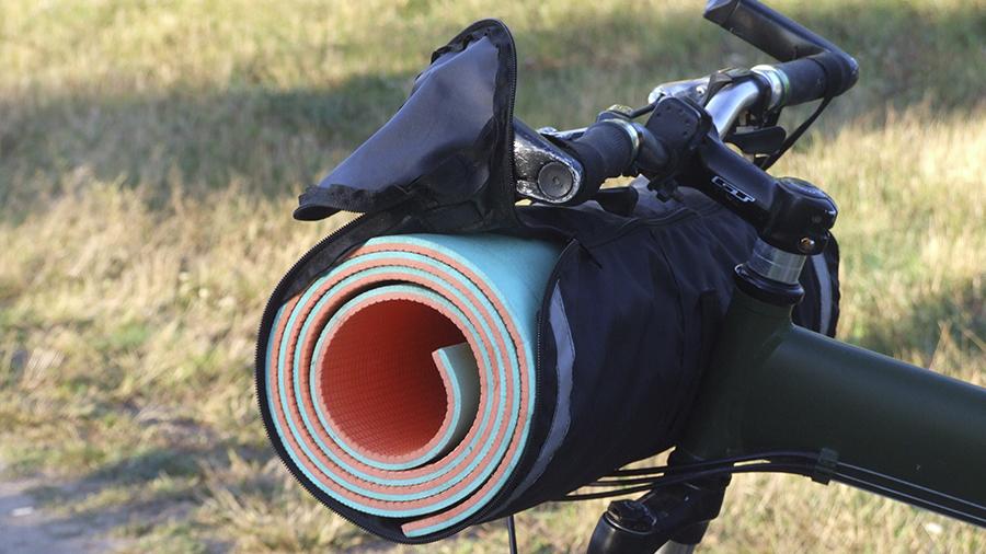 сумка на руль для туристического коврикас
